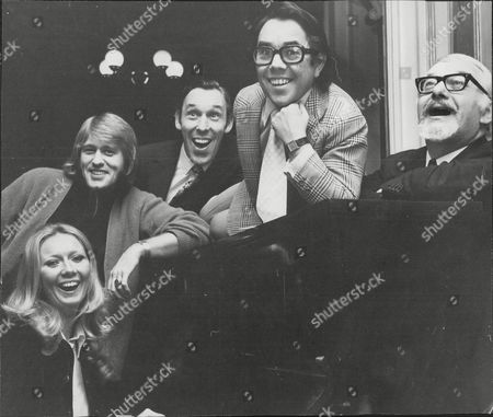 Editorial picture of Rehearsals For The Palladium Production Of Cinderella (left To Right) Clodagh Rodgers (cinderella) Malcolm Roberts (prince Charming) Julian Orchard (ugly Sister) Ronnie Corbett (buttons) And David Kossoff (baron)