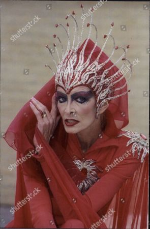 Editorial image of Marti Caine As The Red Queen In Pantomime Snow White - 1995 Died (11/95)