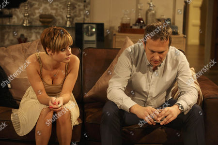 Mia Macey [Sapphire Elia] reveals to Declan Macey [Jason Merrels] that Ella told her that he cheated on her with Katie Sudgen.