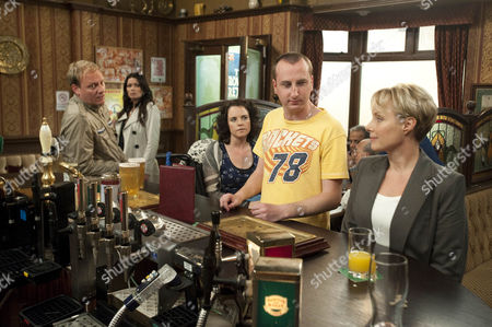 As Sally Webster [Sally Dynevor] tries to recruit machinists for Frank's new factory Izzy Armstrong [Cherylee Houston], Kirk Sutherland [Andrew Whyment] and Sean Tully [Antony Cotton] are appalled. Carla Connor [Alison King] tries to warn Sally that Frank's a dangerous man but caught up in his flattery will she be prepared to listen?