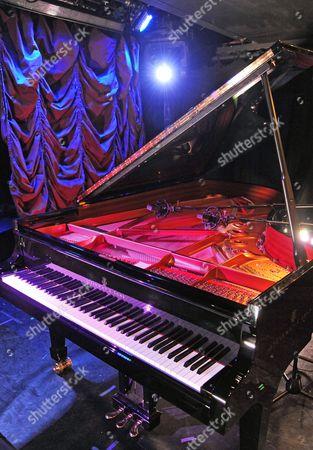 The piano of Jean-Philippe Rio-Py