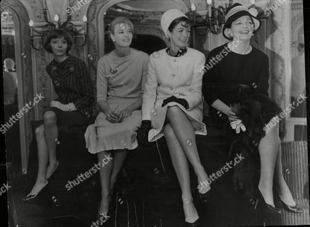 Play 'the Right Honourable Gentleman' At Her Majesty's Theatre London Pictured Actresses Anna Massey Mary Law Jill Melford And Coral Browne
