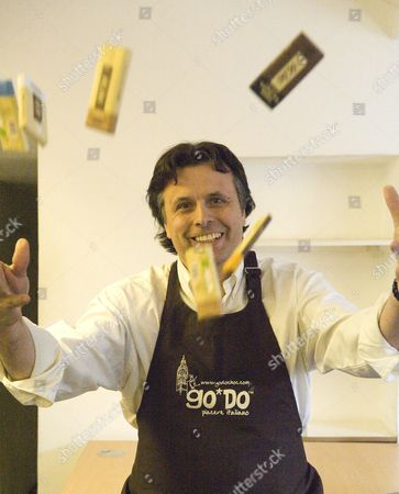 Entrepreun Simon Wright Director Of Of+ Consulting With His New Brand Of Chocolate Go*do. Picture By Glenn Copus
