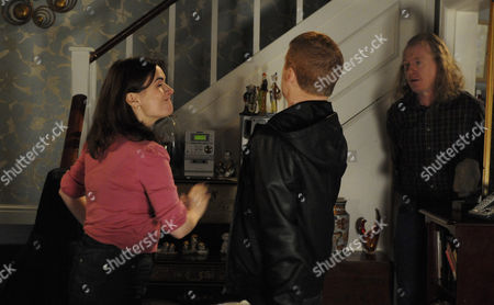 Gary Windass [Mikey North] tells Anna Windass [Debbie Rush] and Eddie Windass [Steve Huison] he should have come back from the war in a box like Quinny - Anna slaps him.