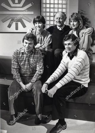Bbc 'breakfast Time' Presenters Pictured At Lime Grove Studios Debbie Rix Frank Bough Selina Scott Frances Wilson And David Icke