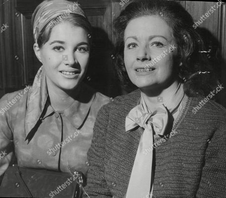 Margaret Lockwood Actress With Daughter Julia Lockwood At The Ivy Restaurant 1971.