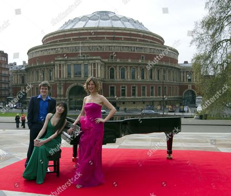 Stock Picture of Katie Derham Launches The Bbc Proms 2011 With Young Pianists Alice Sara Ott And Benjamin Grosvenor At The Albert Hall.