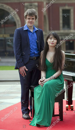 Stock Photo of Katie Derham Launches The Bbc Proms 2011 With Young Pianists Alice Sara Ott And Benjamin Grosvenor At The Albert Hall