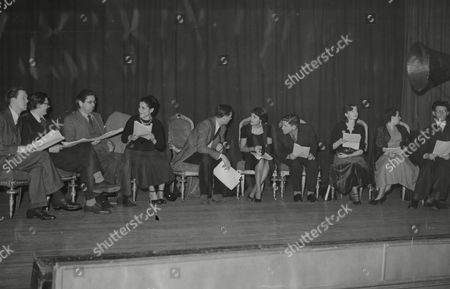 Brian Haines Michael Ward Selma Vay Dias Valentine Dyall Randall Swingler Julian Orde Edith Blake And Oscar Quitak Actors Rehearsing Picasso's Play Desire Caught By The Tail 1950.