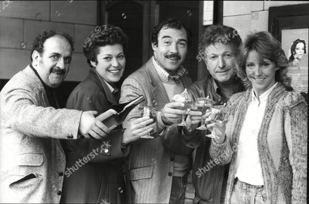 Carlos Douglas Anne Cunningham Neil Stacy Keith Barron And Joanna Van Gyseghem Actors With Drinks For Stage Version Of Tv Comedy Duty Free 1985.