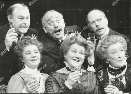 Theatrical Play 'when We Are Married'. (gentlemen L-r) Timothy West James Grout And Brian Murphy. (ladies L-r) Prunella Scales Patricia Routledge And Elizabeth Spriggs.