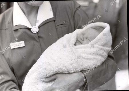 [lady Davina Windsor. Now: Lady Davina Lewis 7/04] Lady Davina Windsor Daughter Of Duke Of Gloucester Leaves Hospital.