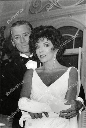 Keith Baxter As Elyor And Joan Collins As Amanda In The Play Private Lives At The Theatre Royal In Bath