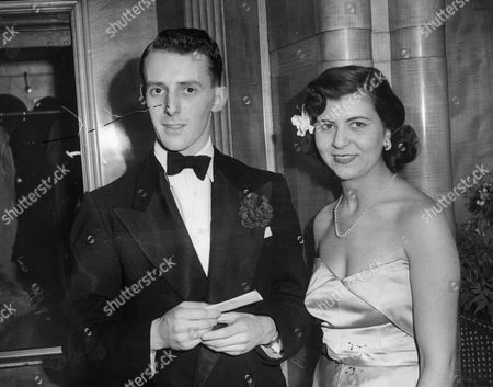 The 8th Marquess Of Ailesbury (formerly Lord Savernake) Seen Here With His First Wife Edwina Winton Wills (now Mrs Christopher Bonn) At A Premiere In London's West End. Their Son Is David Brudenell-bruce Lord Cardigan.