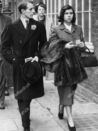 The 8th Marquess Of Ailesbury (formerly Lord Savernake) Seen Here With His First Wife Edwina Winton Wills (now Mrs Christopher Bonn) Walking In Kensington After Arriving Back From Their Honeymoon Their Son Is David Brudenell-bruce Lord Cardigan.
