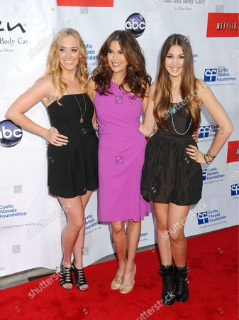 Andrea Bowen, Teri Hatcher and Emerson Rose Tenney