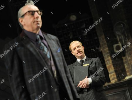 Kevin McMonagle as Feste, Jonathan Slinger as Malvolio