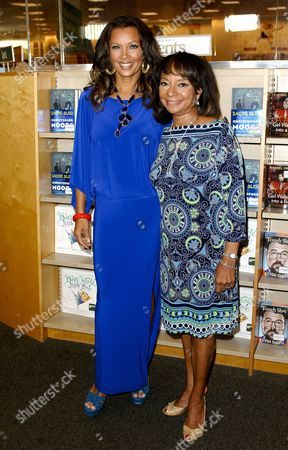 Vanessa Williams and Helen Williams