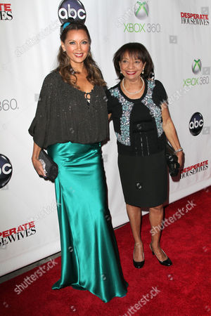 Stock Photo of Vanessa Williams and her mother Helen Williams