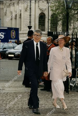 Stock Image of Leslie Crowther (dead 9/96) And Wife Jean Arriving At Memorial For Commentator Bryan Johnson.