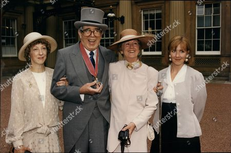 Leslie Crowther (dead 9/96) With Wife Jean (on His Right) And Daughters Lindsay (l) And Liz (r) After Receiving His Cbe At Buckingham Palace.