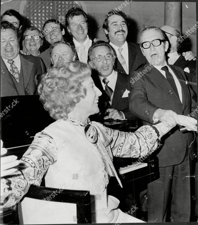 Vera Lynn At A Tribute To Her At The Savoy Hotel. Also Pictured Are Harry Secombe Clive Dunn Russ Conway Charlie Drake Max Bygraves Davy Kaye Ivor Emmanuel And Arthur Askey.