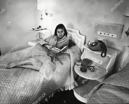 Virginia Ironside Journalist In Bed In Her Room At Buxted Park Health Hydro Uckfield Sussex 1967.