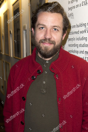Ferdy Roberts (DS Charlie Lee)