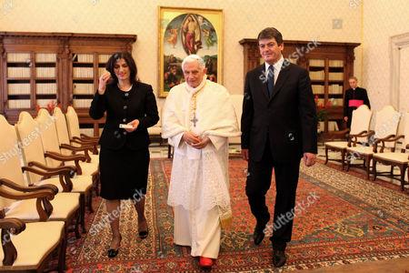 Pope Benedict XVI, Bamir Topi and wife