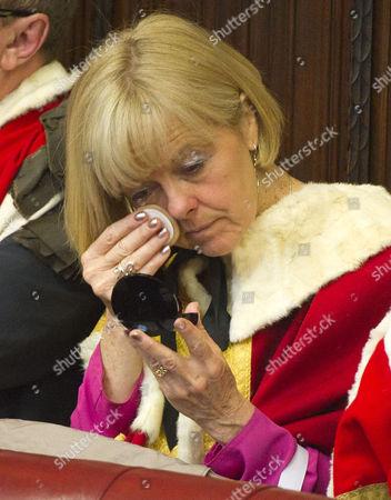 Helen Newlove Touching Up Her Make-Up