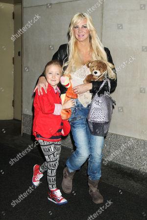 Sarah Burge and her daughter Poppy B