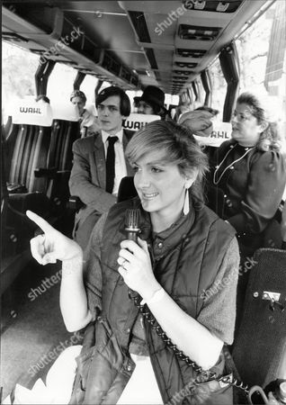 Holiday Guides 1986 Sara Barrett Being A Tour Guide On Coach In London 'the Fergie Tour Guide'