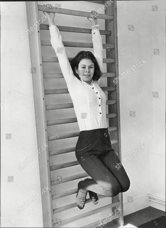 Virginia Ironside Journalist Exercising On Wall Bars At Buxted Park Health Hydro Uckfield Sussex 1967.