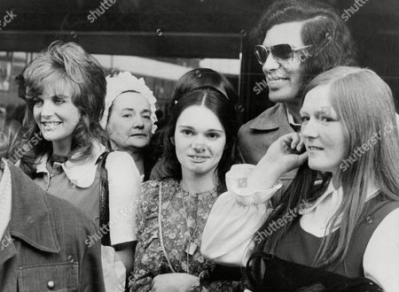 Editorial photo of Englebert Humperdink Returns To England. He Was Delayed At Customs But Was Greeted By Fans