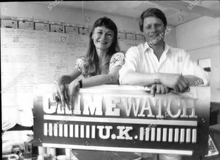 Sue Cook And Nick Ross Tv Presenters In Offices Of Their Show Crimewatch Uk 1989.