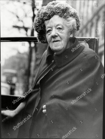 Margaret Rutherford (dead May 1972) Actress Leaving Her Hotel For Buckingham Palace