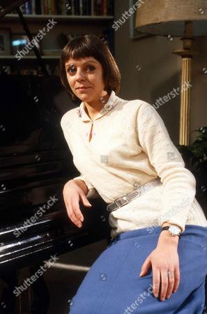 Petra Markham as Emma Grace