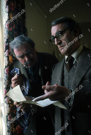 Freddie Jones as Old Billy and Douglas Wilmer as Mr Broome