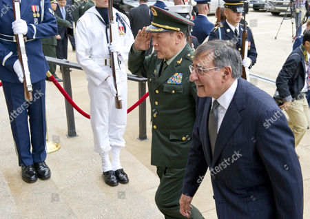 Chinese Minister of National Defence General Liang Guanglie and U.S. Defense Secretary Leon E. Panetta
