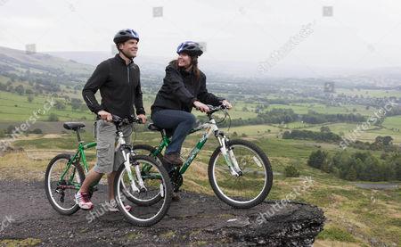 Gethin Jones and Charlotte Uhlenbroek mountain biking in the Peak District.