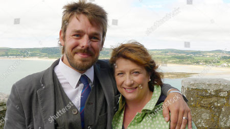Caroline Quentin with Pete Neil Wilkinson at St Michael's Mount