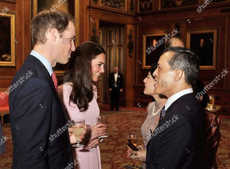 Arkivbilde av Prince William and Catherine Duchess of Cambridge with Crown Prince Maha Vajiralongkorn and Crown Princess Srirasmi of Thailand