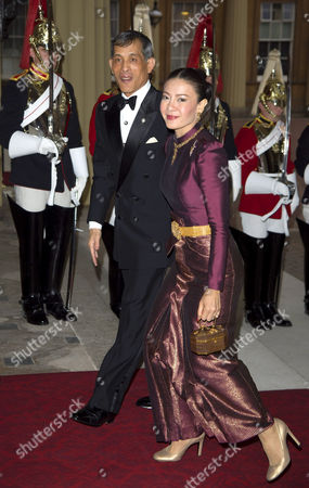Stockbild på Crown Prince Maha Vajiralongkorn and Crown Princess Srirasmi of Thailand