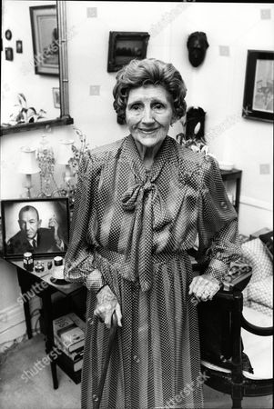 90yo Actress Joyce Carey At Her Eaton Place Flat