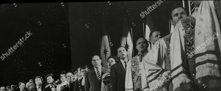 Royal Variety Performance At Theatre Royal 1962 Royal Command Performance L-r Bruce Welch Hank Marvin Brian Bennett Of The Shadows Eartha Kitt Harry Secombe Sophie Tucker Bob Hope Edie Adams Frank Ifield Cliff Richard (girl Who Stood In For Rosemary Clooney) Dickie Henderson Norman Vaughan Andy Stewart Edmundo Ros Cleo Laine And Johnny Dankworth