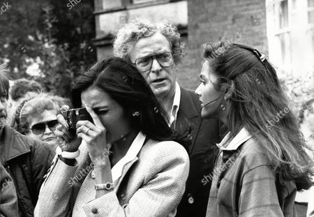 Actor Michael Caine With Wife Shakira Baksh (mrs Shakira Caine) And Daughter Natasha Caine At A Village Fete In North Stoke Oxfordshire
