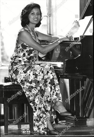 Emily Bolton Who Stared In The Japanese Prison Of War Programme Tenko Is Now A Classically Trained Pianist
