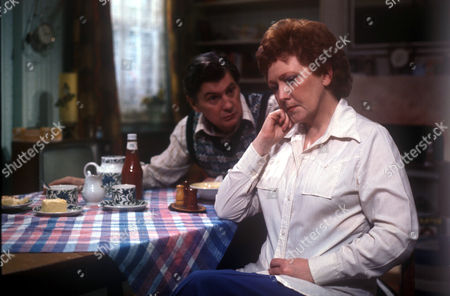 George Selway as Tom Humphries and Carmel McSharry as Beryl Humphries