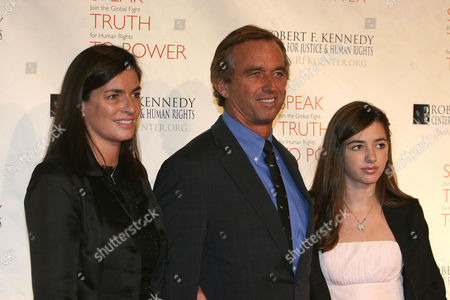 Mary Richardson Kennedy, Robert F. Kennedy Jr. and Kyra LeMoyne Kennedy at the 2009 Robert F. Kennedy Center Ripple of Hope Awards dinner at Pier Sixty at Chelsea Piers in New York City