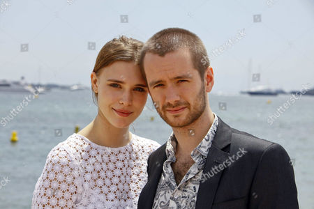 Gaia Weiss and Sean Biggerstaff